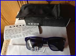 NEW Oakley Holbrook Sunglasses, Crystal Blue / Grey, OO9102-29
