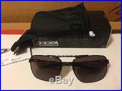 NEW Oakley Valentino Rossi VR46 Deviation Polished Black / Warm Grey, OO4061-10