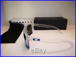 Neu Oakley Holbrook Sonnenbrille Saphir Nebel / Prizm Saphir Iridium OO9102-G55