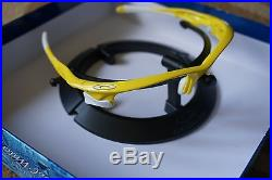 308735b372a0 Oakley Fast Jacket Sunglasses Lemon Peel Frame Yellow Lenses Golf Sport Flak