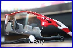 =Oakley= RadarLock PATH VENTED = INFRARED FRAME = Clear Black PHOTOCHROMIC  Lens=